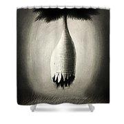 Pensamiento Inadvertido Shower Curtain