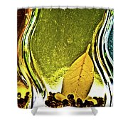 Red Pepper Bay Leaf And Thyme Shower Curtain