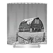 Royal Barn Winter Bnw Shower Curtain