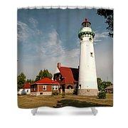 Seul Choix Point Lighthouse Shower Curtain