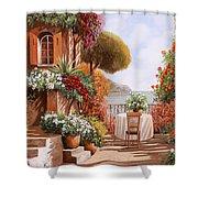 Una Sedia In Attesa Shower Curtain