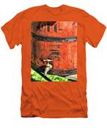 Weathered Red Oil Bucket Men's T-Shirt (Athletic Fit)
