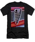 1967 Alfa Romeo Giulia Super Grille Emblem Men's T-Shirt (Athletic Fit)