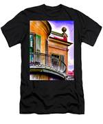 Louisiana Bank Building New Orleans Men's T-Shirt (Athletic Fit)