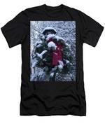 Winter Wreath Men's T-Shirt (Athletic Fit)