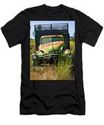 Old Green Truck Men's T-Shirt (Athletic Fit)
