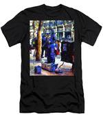 Van Gogh Is Captivated By A San Francisco Street Performer . 7d7246 Men's T-Shirt (Athletic Fit)