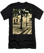A Tree Grows In Barcelona Men's T-Shirt (Athletic Fit)