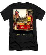 Engine 39 - New York City Fire Truck Men's T-Shirt (Athletic Fit)