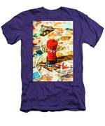 Iconic British Mailbox Men's T-Shirt (Athletic Fit)