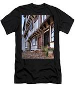 Medieval British Architecture - Dick Turpin's Cottage Thaxted Men's T-Shirt (Athletic Fit)
