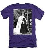 Saint Therese De Lisieux Men's T-Shirt (Athletic Fit)