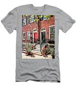 Philadelphia Pa - Townhouse With Red Geraniums Men's T-Shirt (Athletic Fit)