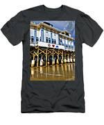 Daytona Beach Pier Men's T-Shirt (Athletic Fit)