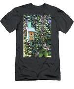 Bird Feeder In Ivy Men's T-Shirt (Athletic Fit)