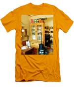 Country Kitchen Sunshine IIi Men's T-Shirt (Athletic Fit)