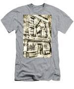 The Prospect Of Whitby Pub London Vintage Men's T-Shirt (Athletic Fit)