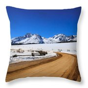 Open Road Tothe Sawtooth Mountains Throw Pillow
