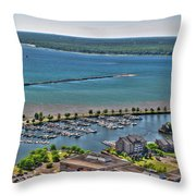 009 Visual Highs Of The Queen City Throw Pillow