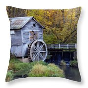 0290 Hyde's Mill Wisconsin Throw Pillow