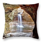 0942 Cascade Falls - Matthiessen State Park Throw Pillow