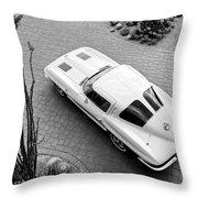 1963 Chevrolet Corvette Split Window -440bw Throw Pillow
