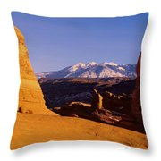 Delicate Arch, Arches National Park Throw Pillow