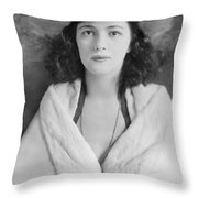Evelyn Nesbit Throw Pillow