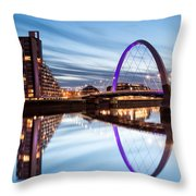 Glasgow River At Night Throw Pillow