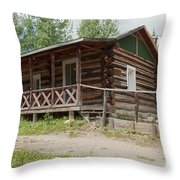 Mamma Cabin At The Holzwarth Historic Site Throw Pillow