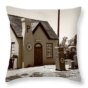 Route 66 - Phillips 66 Gas Station Throw Pillow