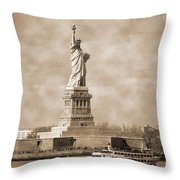 Vintage Statue Of Liberty Throw Pillow