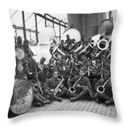 Wwi Homecoming, 1919 Throw Pillow