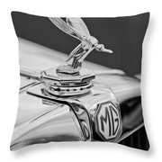 1948 Mg Tc - The Midge Hood Ornament Throw Pillow