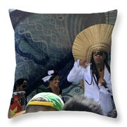 A View Of Carlinhos Brown At The 2009 Cleansing Of 46th Street Throw Pillow