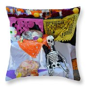 Day Of The Dead Altar, Mexico Throw Pillow