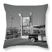 Route 66 - Anns Chicken Fry House Throw Pillow