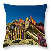 2015 Rose Parade Float With Butterflies 15rp044 Throw Pillow