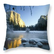 2m6538-yosemite Valley In Winter Throw Pillow