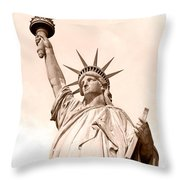 Statue Of Liberty Throw Pillow