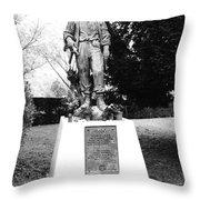 Pere-lachais Cemetery In Paris France Throw Pillow