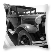 6366 Throw Pillow