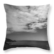 651 Bw The Couds Of Big Sur Throw Pillow