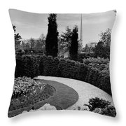 A Bobbink & Atkins Garden Throw Pillow
