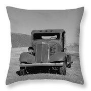 A North Dakota Carriage Throw Pillow