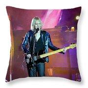 Aeosmith-tom Hamilton-00145 Throw Pillow