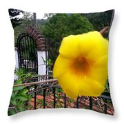 Amarillo La Flor Throw Pillow