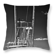 Anh Quoc Bw Throw Pillow