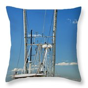 Anh Quoc Throw Pillow