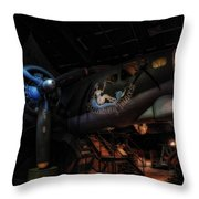 B-17 Exhibit In Hdr Throw Pillow